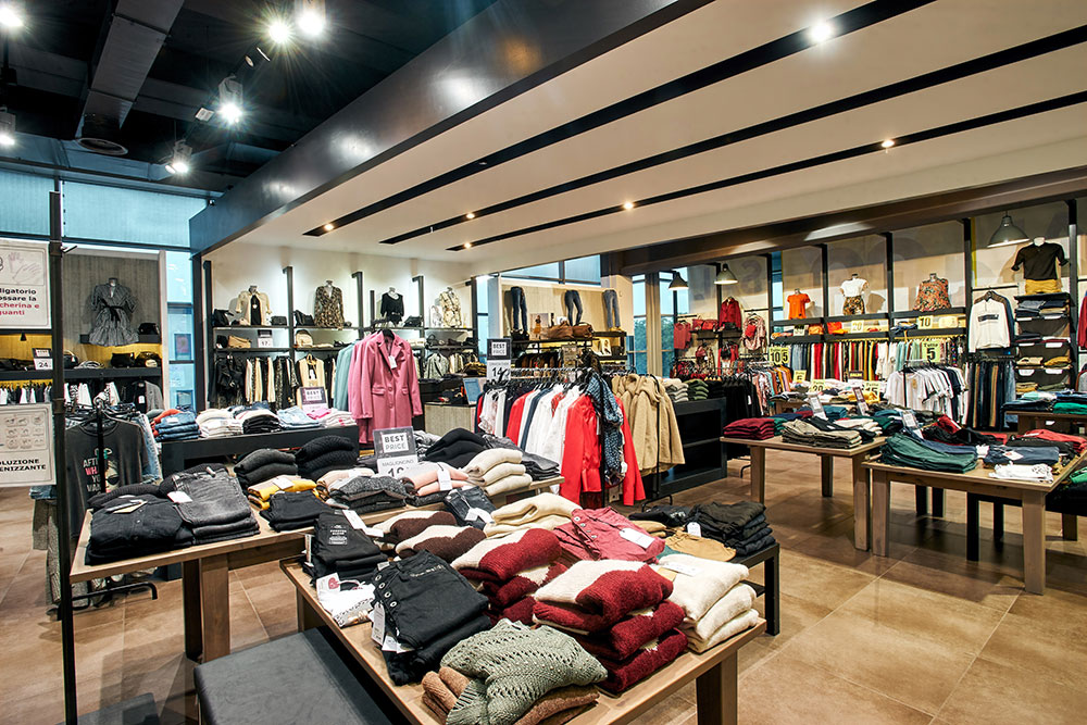 Infinity Fashion - Centro Commerciale Matrix Shop
